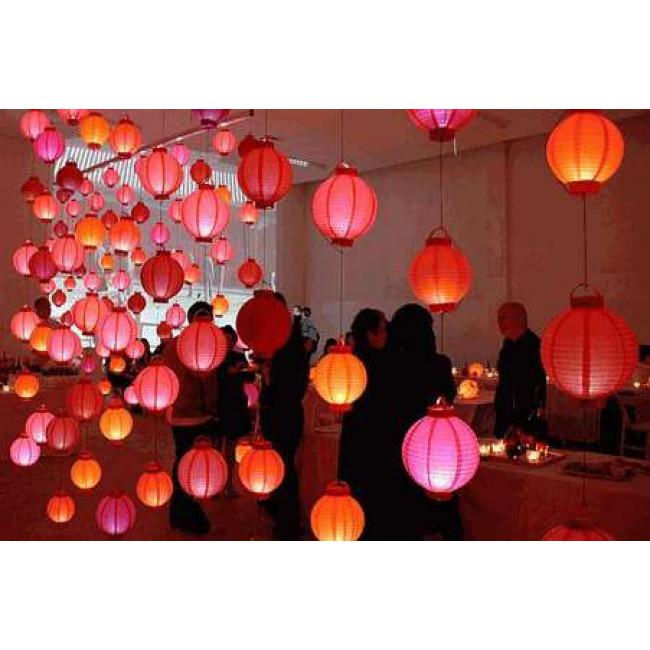 led lampion boule papier 20cm rouge lanternes volantes c lestes. Black Bedroom Furniture Sets. Home Design Ideas